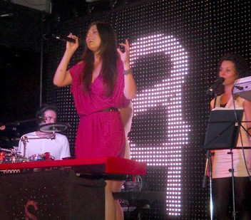 FOTO Concert Paula Seling in Club Phoenix
