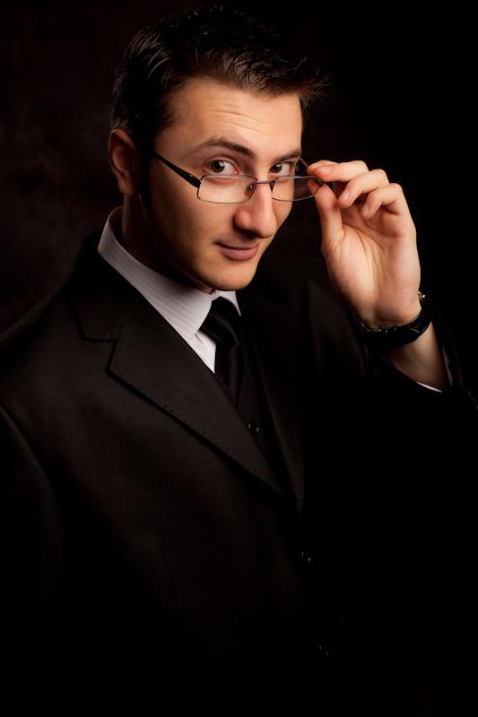Castiga o invitatie dubla la STAND-UP MAGIC cu Vlad Grigorescu