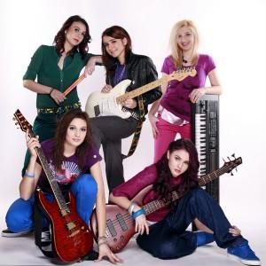 BLAXY GIRLS revin pe piata muzicala ASCULTA NOUA PIESA!