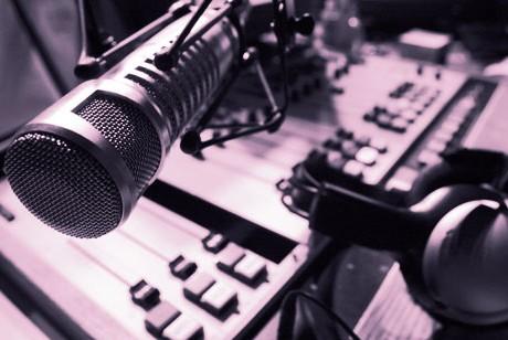Cine strică muzica radiourilor?