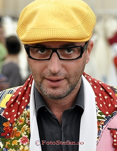 """Fantezia lui DEZBRACATU': """"Sa fiu presedintele Romaniei pentru o saptamana"""""""