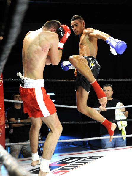 """FIGHTMANIA """"a lovit"""" puternic Sala Sporturilor GALERIE FOTO"""