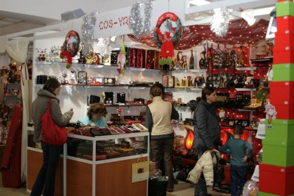 Târg de Crăciun la Pavilionul Expozițional