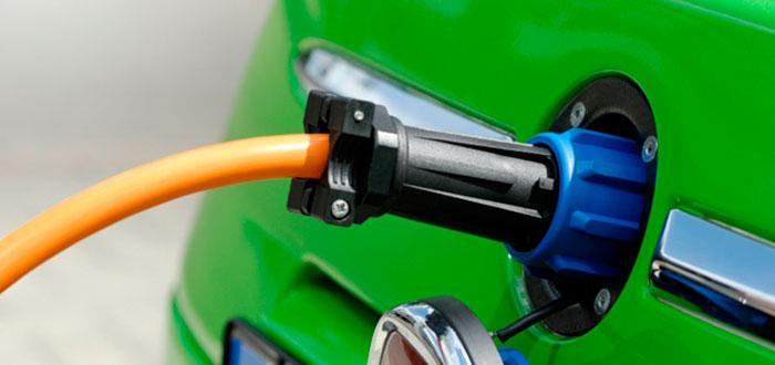 Câți bani îți dă statul dacă vrei să-ți cumperi o mașină electrică