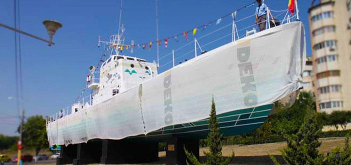 """Primul vapor din campania """"Culorile Romaniei"""" a fost dezvelit"""