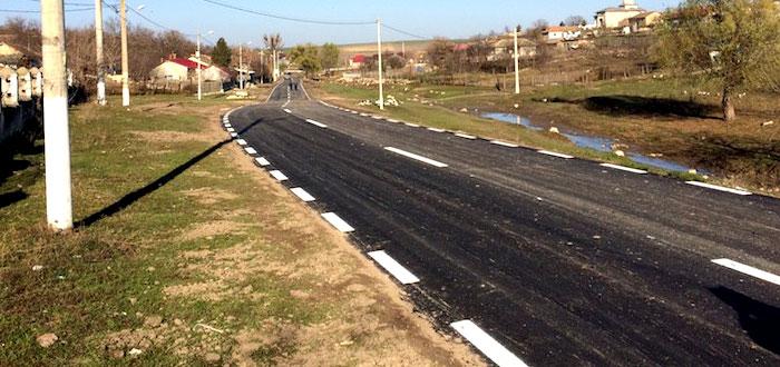 Primarul de la Pestera a asfaltat 1.5 Km de drum in trei zile!