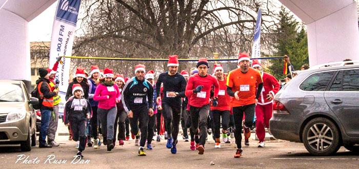 Zeci de Mos Craciuni au alergat la maratonul SantaRun de la Constanta