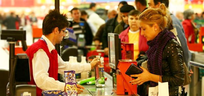 Angajari la Carrefour, Kaufland, Mega Image, Cora, Auchan. Ce salarii sunt oferite!