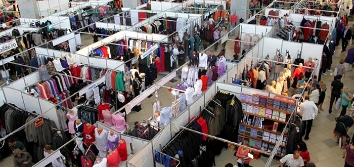 Târg de haine cu lichidări de stocuri. TINIMTEX, la Pavilionul Expozițional
