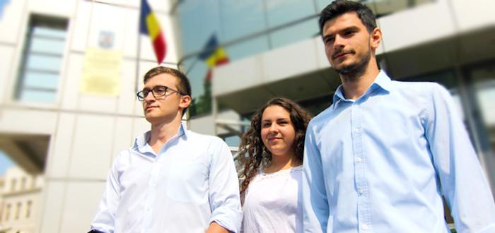 Elevii din Constanta cer Primariei marirea burselor