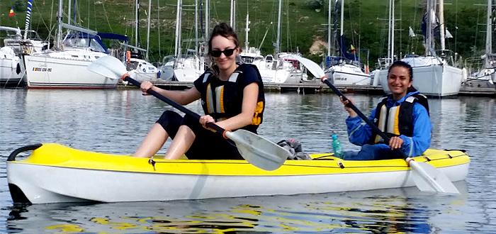 Da o tura de CAIAC pe lacul Limanu, cu Dream Explorer!