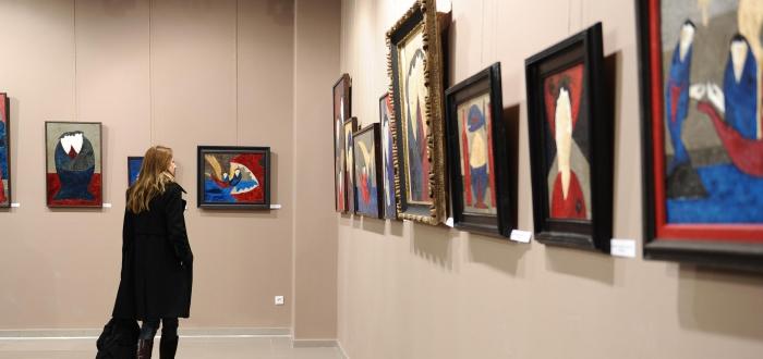 "Vernisaj de pictura ""TRANZITII CROMATICE"", la Biblioteca Judeteana"