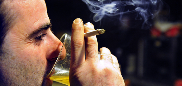 Schimbari aduse LEGII ANTIFUMAT! Se poate fuma in restaurante si cafenele