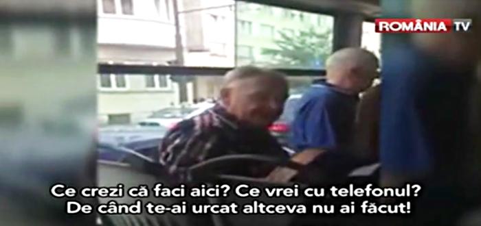 VIDEO. Tanara BATUTA DE UN PENSIONAR, pentru ca vorbea la telefon in autobuz!
