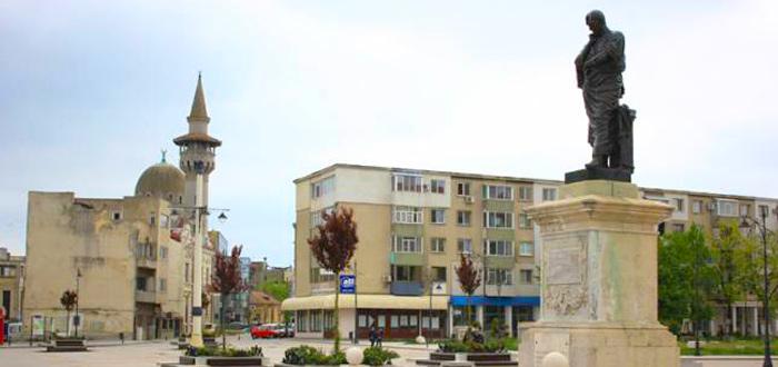 Piaţa Ovidiu găzduieşte deschiderea anului universitar