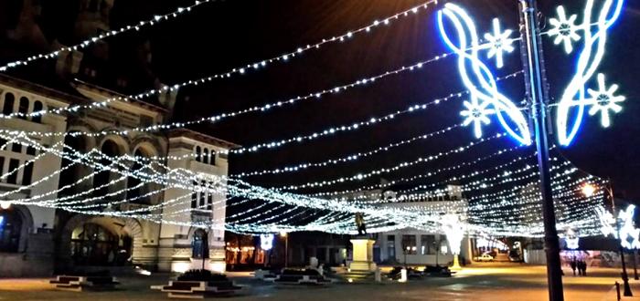 Când vor fi aprinse și unde sunt montate luminile de Sărbători în Constanța