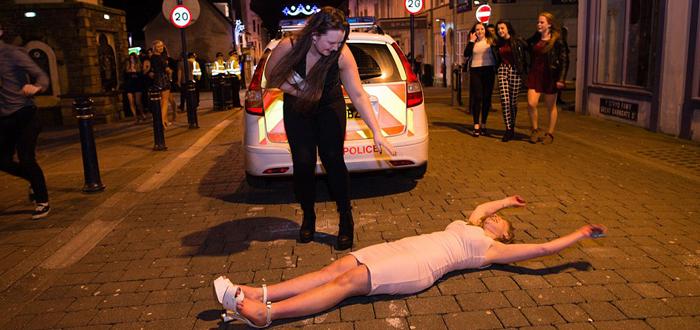 Beţii crâncene pe străzile Londrei în noaptea de Revelion (FOTO)