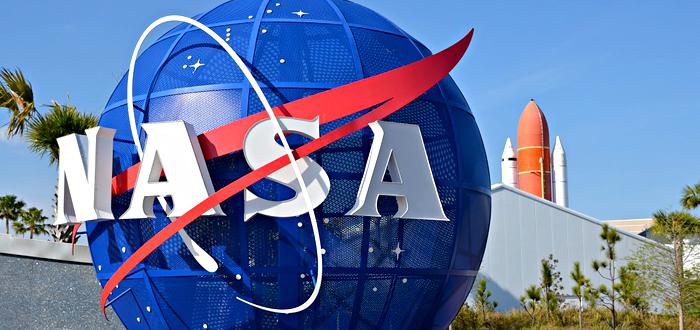 """Elevii din Constanţa care au """"cucerit"""" NASA. Premiaţi pentru proiecte de colonii în spaţiu!"""