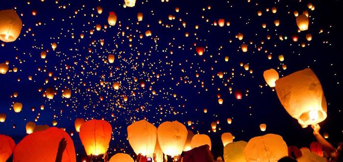 """OMAGIU PERICULOS. Universitatea """"Ovidius"""" sfidează Ora Pământului şi lansează 2.000 DE LAMPIOANE în Parcul Tăbăcărie!"""
