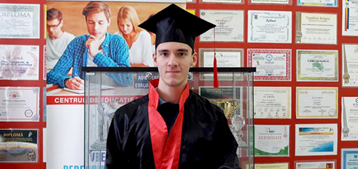 Elev din Constanţa, admis la Universitatea Oxford