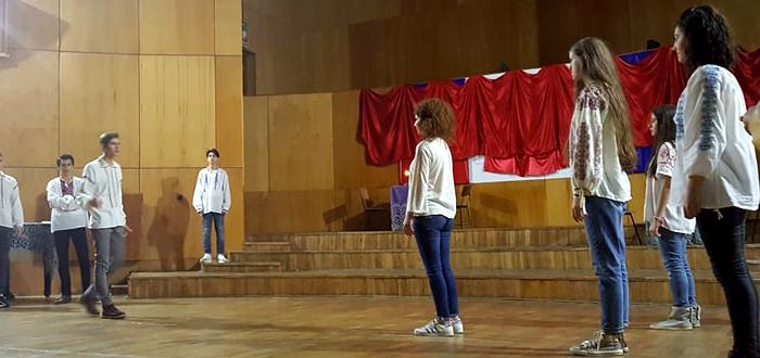 """Ziua Mondială a Teatrului, sărbătorită la Colegiul Național de Arte """"Regina Maria"""""""