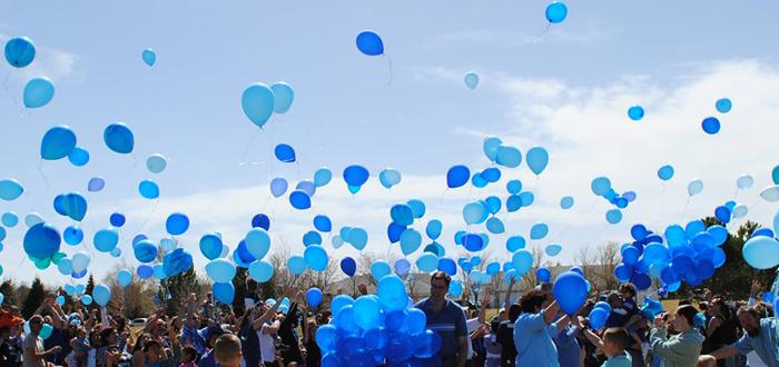 Sute de baloane vor fi lansate pe cerul Constanței de copiii cu autism