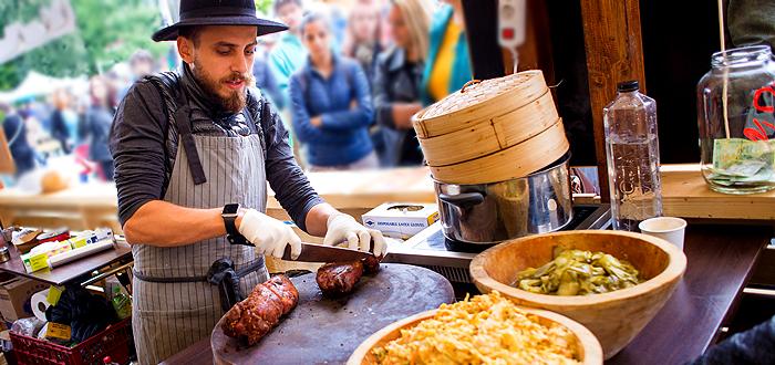 Mâncăruri alese și concerte! Street Food Festival revine în Piața Ovidiu din Constanța