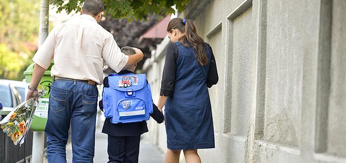 """Petiţie online pentru paza şcolilor din Constanța. """"Elevii merită să învețe în siguranță!"""""""