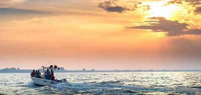 Plimbare cu șalupa la apus, pe Marea Neagră, cu Dream Explorer