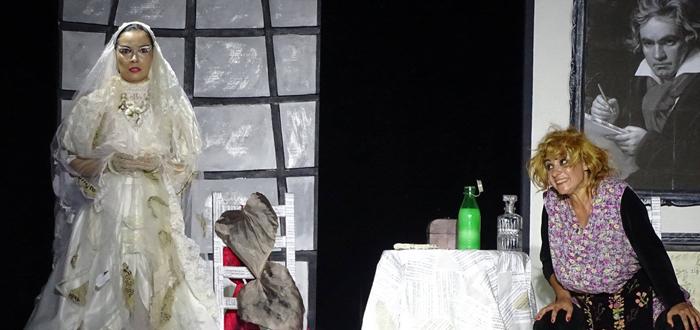 """""""Veethoven, făi!"""", o comedie de excepție la Teatrul de Stat Constanța"""
