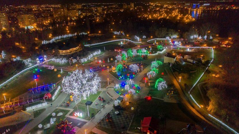 Țara Piticilor se transformă în Tărâmul Magic al Crăciunului
